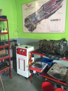 stroj na výmenu prevodového oleja a preplach